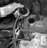 Kühlmittelbehälter im Motorraum
