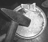Spülmaschinentabs kleinkloppen