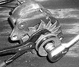 Lüfterrad der Lichtmaschine montieren