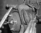 Hammerschlag am Bremssattel