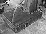 Säulenbohrmaschine am Boden festdübeln
