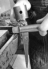 Morsekegel mit Austreiber trennen