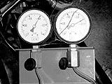 Synchronuhren für Zweizylindermotoren