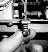 Leerlauf-Schraube für beide Vergaser