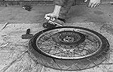 Ami-Sprüh am Reifen