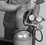 Druckminderer an der Gasflasche montieren