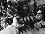 Frischluftschlauch Peugeot demontieren