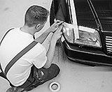 Scheinwerfer und Glasteile mit Abdeckband schützen