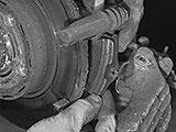 Bremsbeläge ausbauen