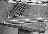 Querstreben für Tischplatte