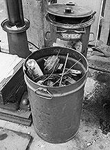 Werkstatt-Mülltonne
